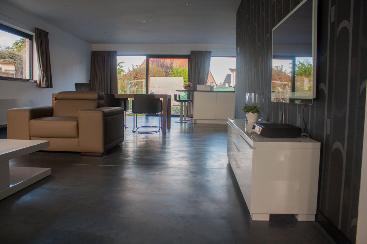 Gepolierde betonvloeren vvs betonvloeren - Grijs gekleurde ...